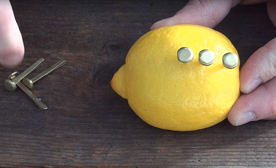 Cómo hacer una pila casera con limones